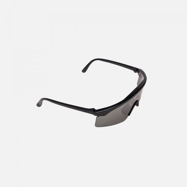 d66e22838041e https   kith.com collections kith-eea-capsule products kith-x-oakley- razorblade-sunglasses-red